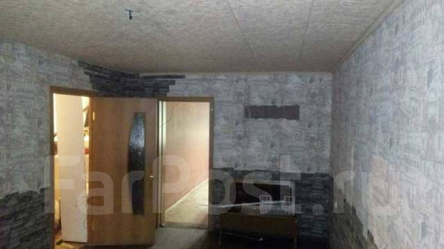 Помещение 56 кв. м., 2 зала с входной группой. Красная линия, р-н 9 микрорайон, 56кв.м., цена указана за все помещение в месяц
