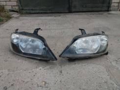 Продам фары Mazda Demio