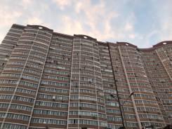 1-комнатная, улица Черняховского 9. 64, 71 микрорайоны, частное лицо, 54кв.м. Дом снаружи