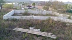 Продам земельный участок с фундаментом. 953кв.м., собственность, электричество, от частного лица (собственник). Фото участка
