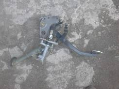 Педаль сцепления. Toyota Altezza