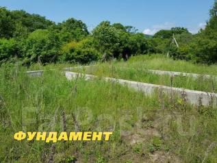 Земельный участок с фундаментом!. 1 586кв.м., собственность, электричество, вода, от агентства недвижимости (посредник)