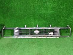 Решетка радиатора Nissan Terrano, D21, передняя