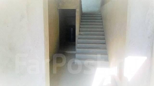 1-комнатная, улица Рейдовая 22. Эгершельд, частное лицо, 34кв.м. Подъезд внутри