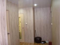 3-комнатная, улица Тихонова 4. центр, частное лицо, 55кв.м. Прихожая