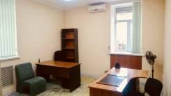 Офис от собственника. Коммуналка, уборка, интернет входят в стоимость. 22кв.м., улица Суханова 4, р-н Центр. Интерьер