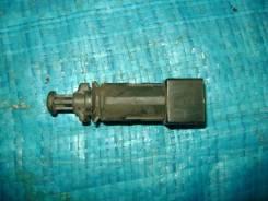 Концевик под педаль тормоза. Renault Symbol, LB Renault Clio, CB