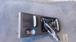 Кожух ручки переключения трансмиссии. Nissan Bluebird