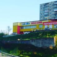 Двухэтажное здание - магазин вблизи площади Окатовая. Улица Кипарисовая 16, р-н Чуркин, 1 160кв.м.