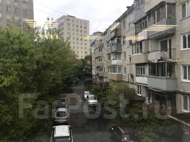 Сдаётся в аренду нежилое помещение, ул. Хабаровская, 8. S = 20 кв. м. 20кв.м., улица Хабаровская 8, р-н Первая речка. Вид из окна