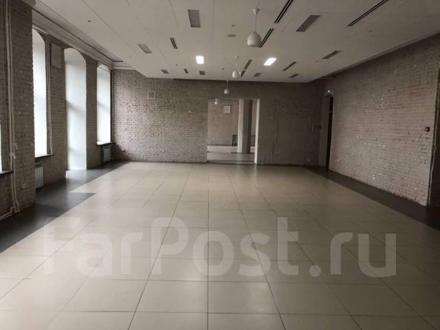 Сдаются помещения в ТЦ Большой ГУМ. 3 000кв.м., улица Светланская 33, р-н Центр