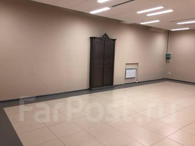 Сдаются помещения в ТЦ Большой ГУМ. 3 000кв.м., улица Светланская 33, р-н Центр. Интерьер