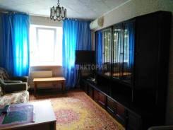2-комнатная, улица Каплунова 23. 64, 71 микрорайоны, агентство, 52кв.м. Комната