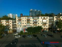 Предлагаем к продаже нежилое помещение площадью 397 кв. м. Проспект 100-летия Владивостока 28б, р-н Столетие, 397кв.м. Дом снаружи