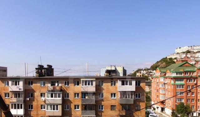 1-комнатная, улица Махалина 10. Центр, застройщик, 32кв.м. Вид из окна днём