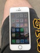 Apple iPhone 5s. Б/у, 16 Гб, Белый, Золотой