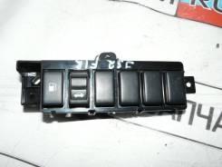 Кнопка открывания бензобака. Nissan Teana, J32, J32R