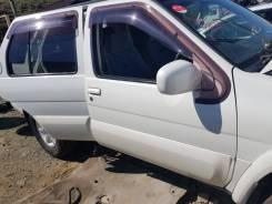 Дверь передняя правая Nissan terrano R50 2000г