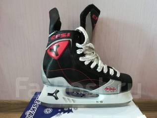 Продам коньки. размер: 43, хоккейные коньки