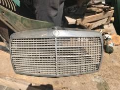 Решетка радиатора Mercedes-Benz W115