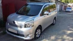 Toyota Voxy. вариатор, 4wd, 2.0 (140л.с.), бензин, 161 000тыс. км