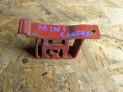 Крепление глушителя. Mini Hatch Mini Cooper