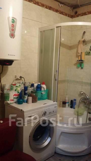 4-комнатная, улица Короленко 35. 5 км, агентство, 61кв.м. Сан. узел