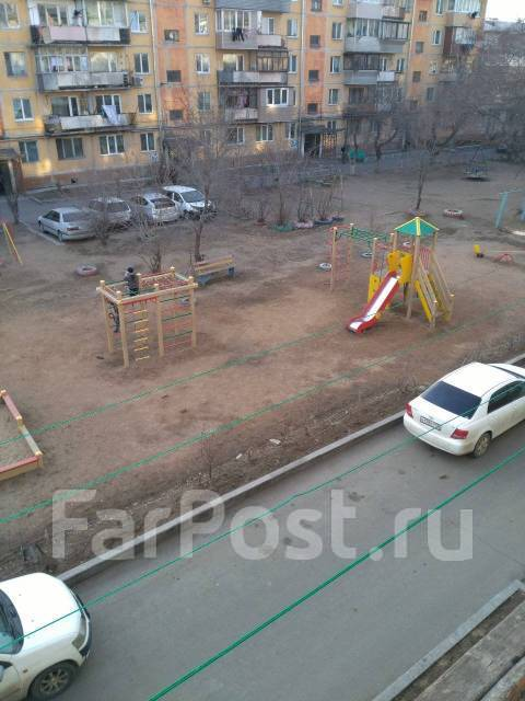 4-комнатная, улица Короленко 35. 5 км, агентство, 61кв.м. Вид из окна днём