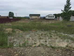Земельный участок продается. 1 000кв.м., собственность, электричество, вода. Фото участка