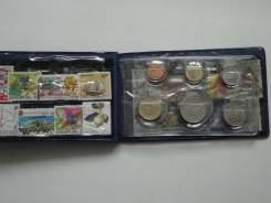 Сингапур и Малайзия сувенирный набор монет с марками.