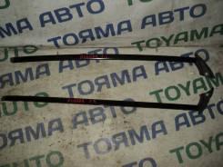 Молдинг лобового стекла. Toyota Kluger V