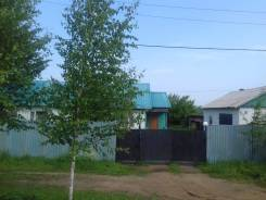 Продается дом, с коммунальными удобствами (двухквартирный). Улица Чапаева 58, р-н Хорольский район, площадь дома 160кв.м., скважина, электричество 5...