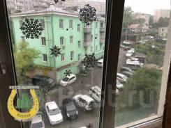 Гостинка, улица Надибаидзе 6а. Чуркин, агентство, 18кв.м. Вид из окна днём