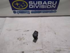 Кнопка включения противотуманных фар. Subaru Legacy, BE5, BE9, BEE, BES, BH5 Subaru Legacy B4, BE9, BE5, BEE Двигатели: EJ18, EJ18E, EJ18S, EJ20, EJ20...