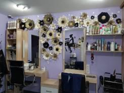 Сдам в аренду парикмахерский зал на 2 кресла. 13кв.м., улица Краснореченская 161а, р-н Индустриальный