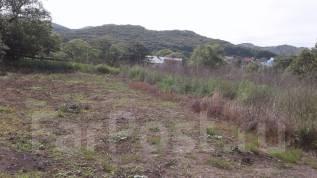 Продам земельный участок в центре Голубовки. 1 200кв.м., собственность, электричество, от агентства недвижимости (посредник). Фото участка