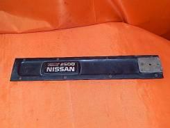 Крышка двигателя Nissan Skyline
