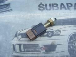 Концевик под педаль тормоза. Subaru: Pleo, Forester, Legacy, R2, Impreza, R1, Domingo, Exiga, Vivio, Legacy B4, Stella Двигатели: EN07E, EN07S, EN07U...