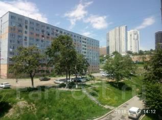 Гостинка, улица Надибаидзе 34. Чуркин, 18кв.м. Вид из окна днем