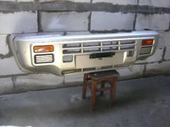 Продам передний бампер Nissan Mistral 96 г.