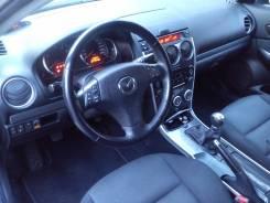 Mazda. С водителем