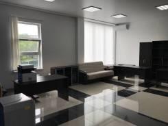 """В АТЦ """" Триумф"""" сдается офисное помещение, 62.5 кв. м. Улица Сельская 5а, р-н Баляева, 63кв.м., цена указана за квадратный метр в месяц. Интерьер"""