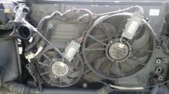 Вентилятор охлаждения радиатора. Volkswagen Touareg, 7L6, 7LA, 7L7 Двигатели: AXQ, AYH, AZZ, BAA, BAC, BAN, BAR, BHK, BHL, BJN, BKJ, BKL, BKS, BKW, BL...