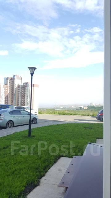 2-комнатная, улица Сочинская 7. Патрокл, частное лицо, 55кв.м. Вид из окна днём