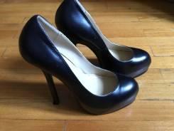 Отдам туфли и босоножки на 38 размер