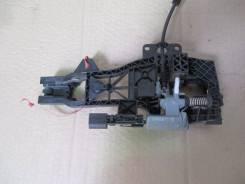 Крепление ручки двери. Audi Q7, 4LB Двигатели: BAR, BHK, BTR, BUG, BUN