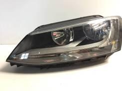 Фара правая Volkswagen Jetta (2011-2017)