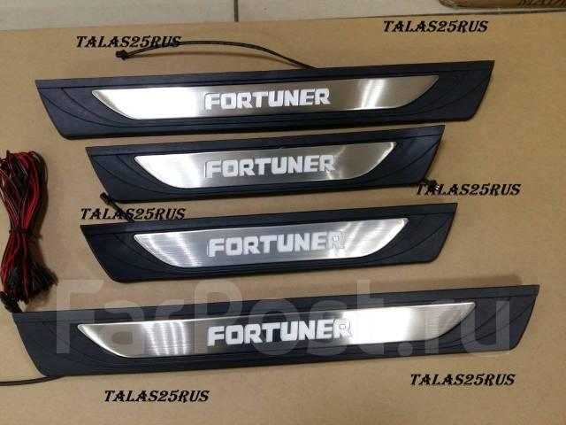 Порог пластиковый. Toyota Fortuner