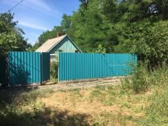 Продам земельный участок со старым строением под снос. 700кв.м., собственность, электричество, вода, от частного лица (собственник)