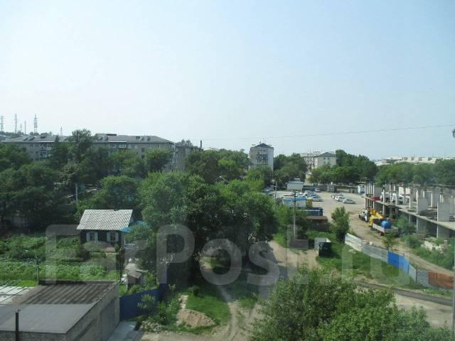 4-комнатная, шоссе Владивостокское 75. Сахпосёлок, агентство, 87кв.м. Вид из окна днём
